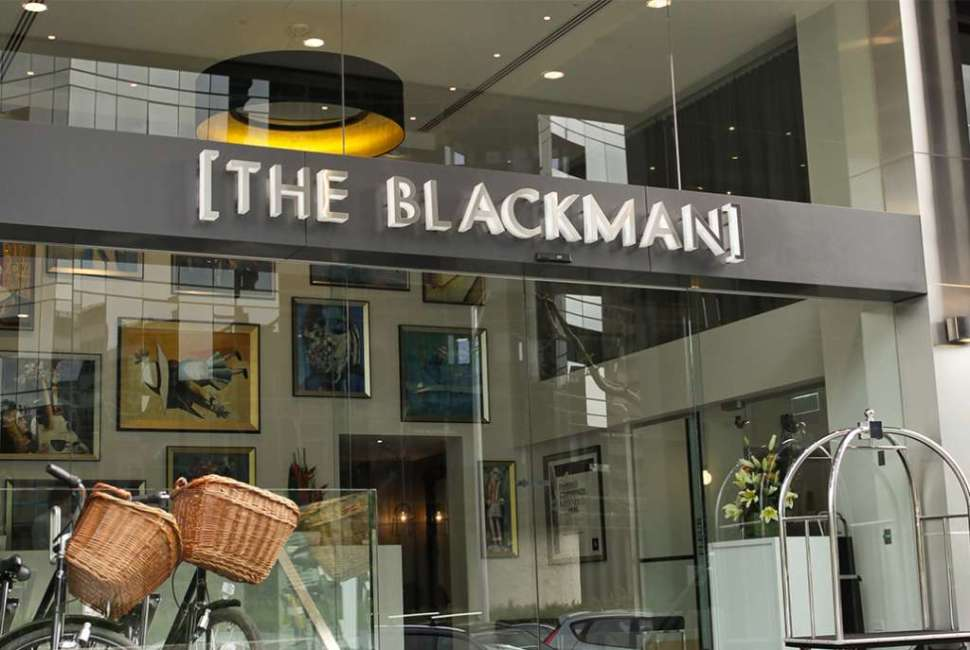 blackman_gallery_lg1_1024_687_60